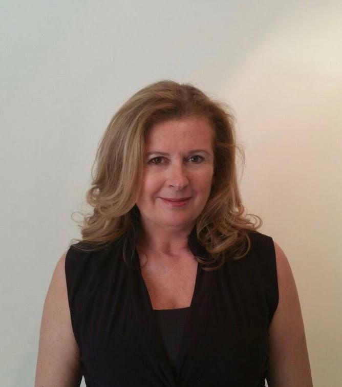 Mª del Mar Peregrín conduce el Club de Lectura del Centro Cultural La Malagueta