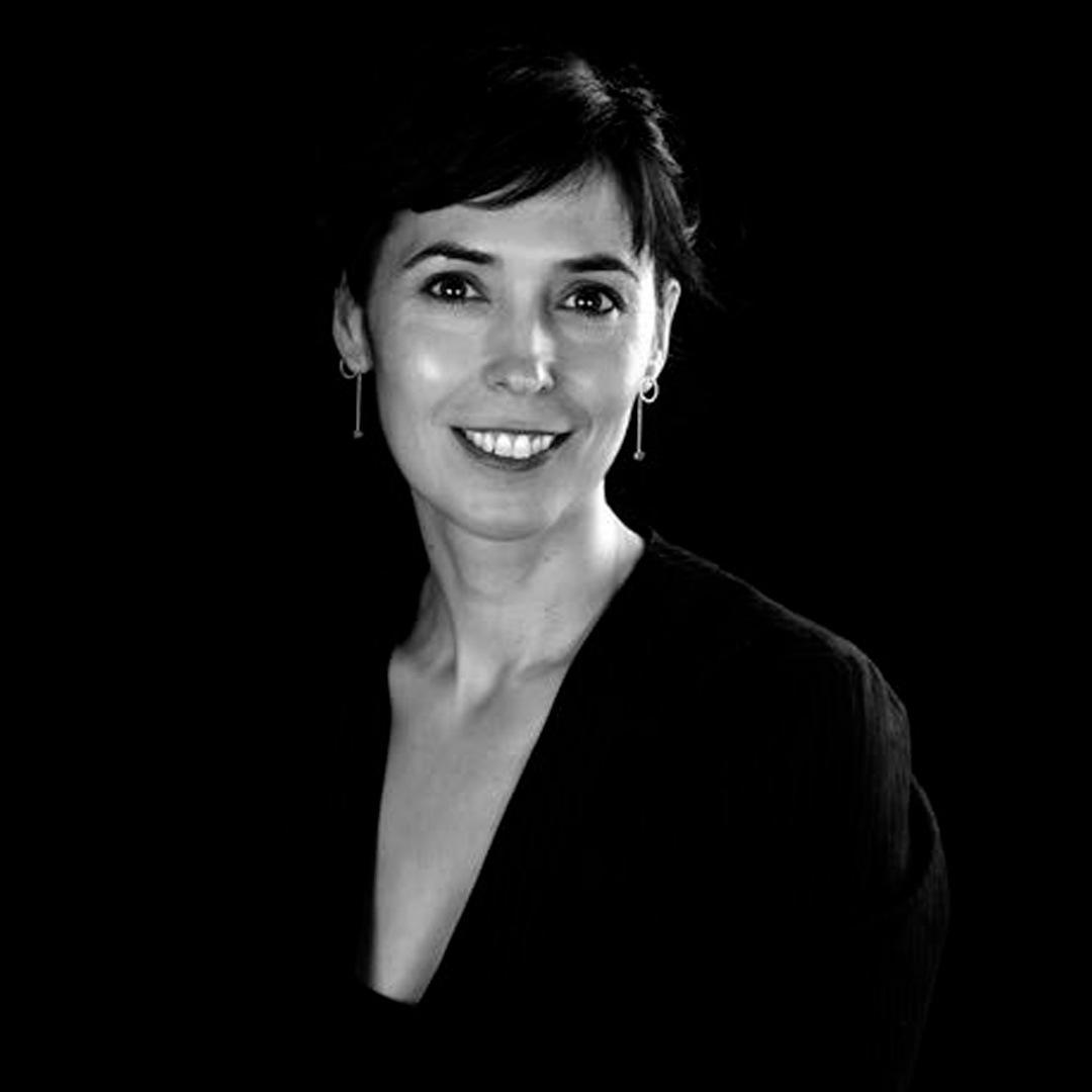 'Los ojos cerrados' de Edurne Portela con Patricia Simón